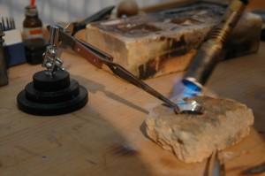 Création de bijoux, ,Conception, fabrication, restauration et réparation de bagues, colliers, boucles d'oreilles et bracelets - Brussels Art Laboratory